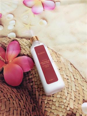 kem-duong-trang-da-toan-than-elbon-spf50-body-lotion